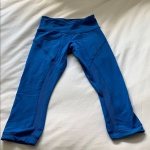 LULULEMON women's blue crop leggings